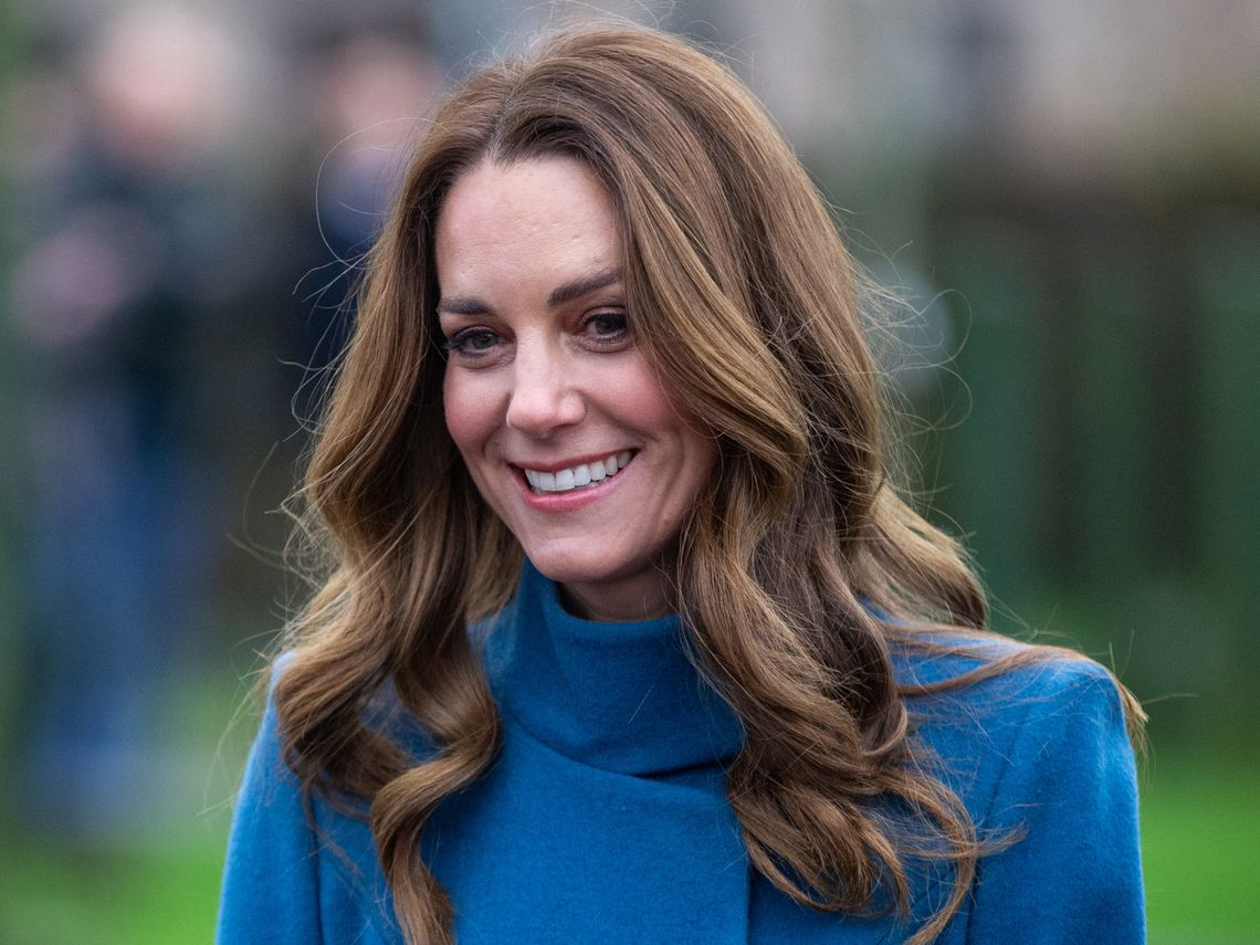 Kate reaparece con look angelical