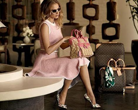 Superfluo Imprescindible