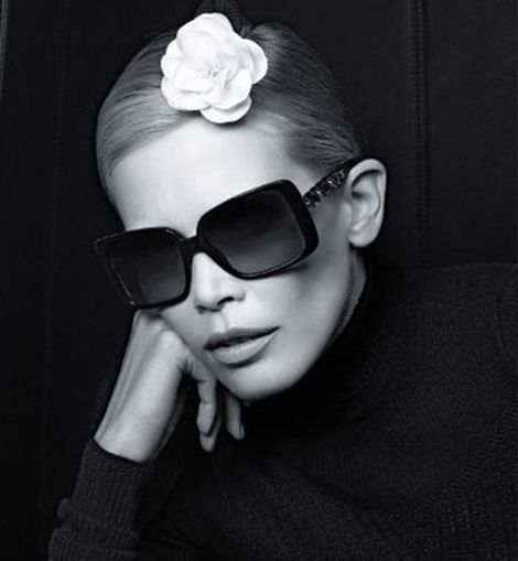 Claudia Shiffer para Chanel Eyewear