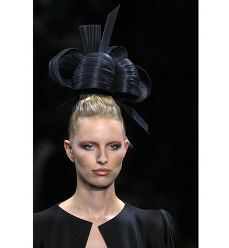 Tocado de Philip Treacy