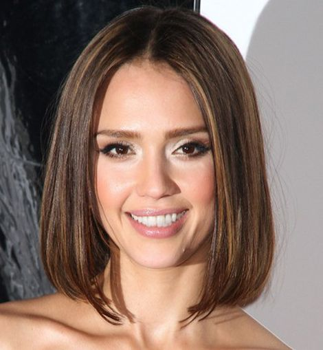 Jessica Alba, bob is back