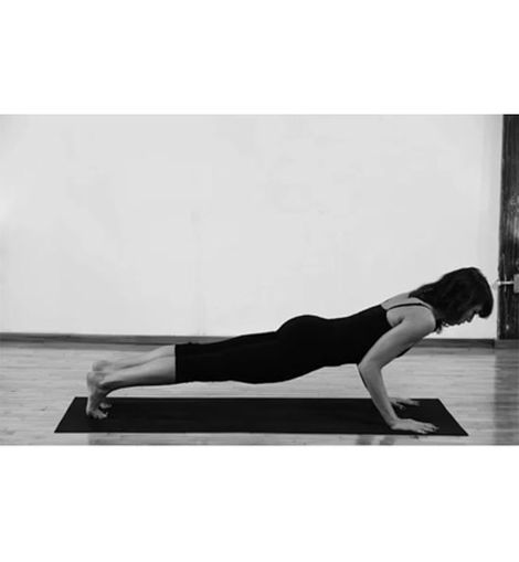 Chatarunga yogui push-up