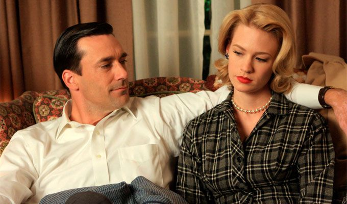 Don y Betty Draper en un fotograma de Mad Men