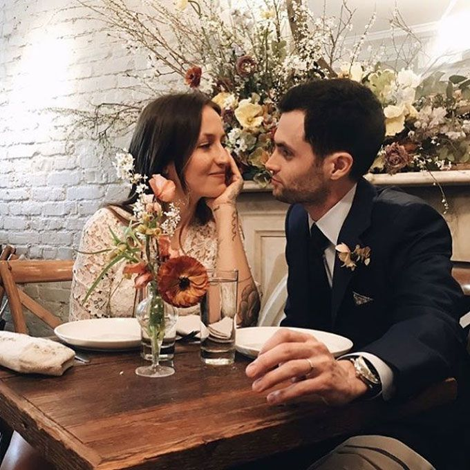 El actor Penn Badgley se ha casado con Domino Kirke