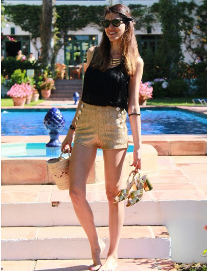 Capazo con look black and gold