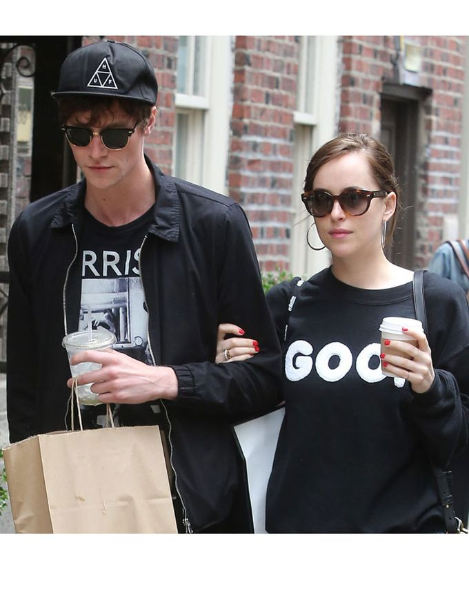 Dakota Johnson y Matthew Hitt