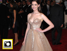 Anne Hathaway: copia su look
