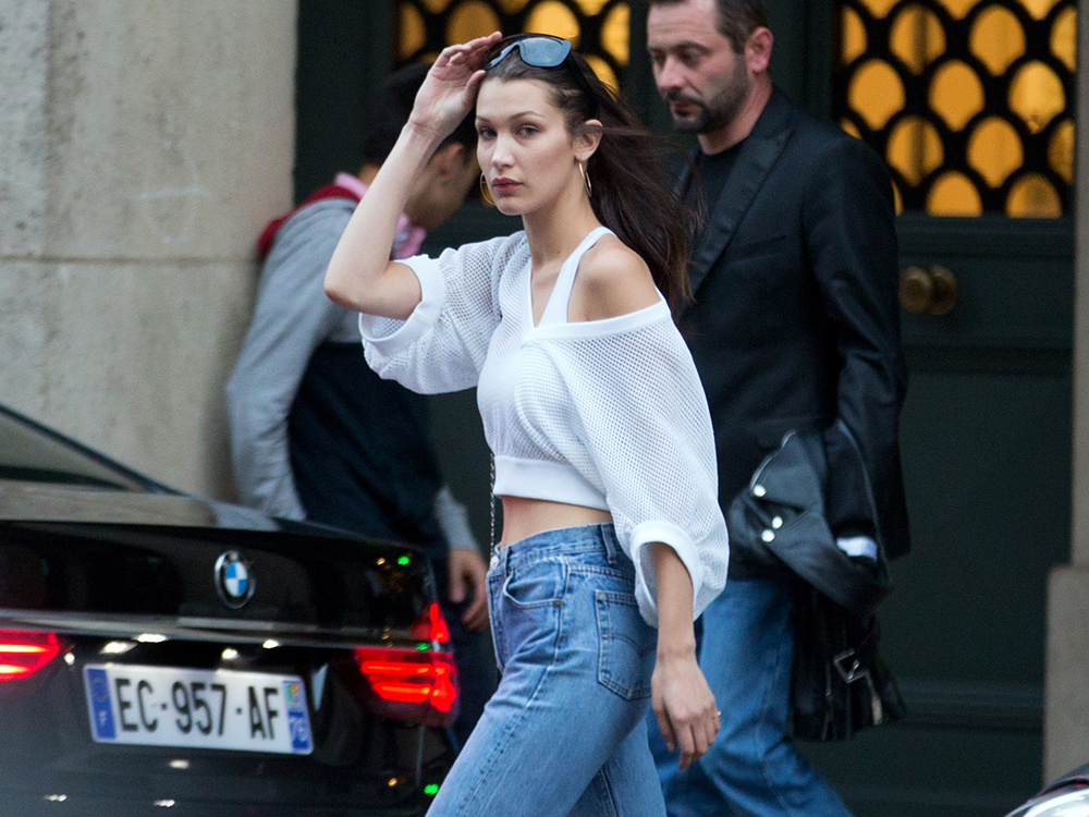 Bella Hadid y su braless paseando por New York