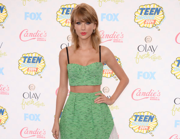 Teen Choice Awards 2014: crop top en la alfombra roja