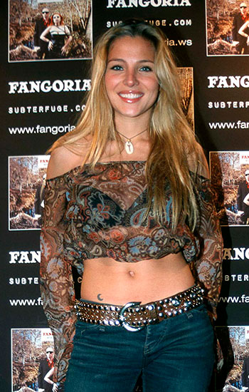 Look natural en el photocall (2002)