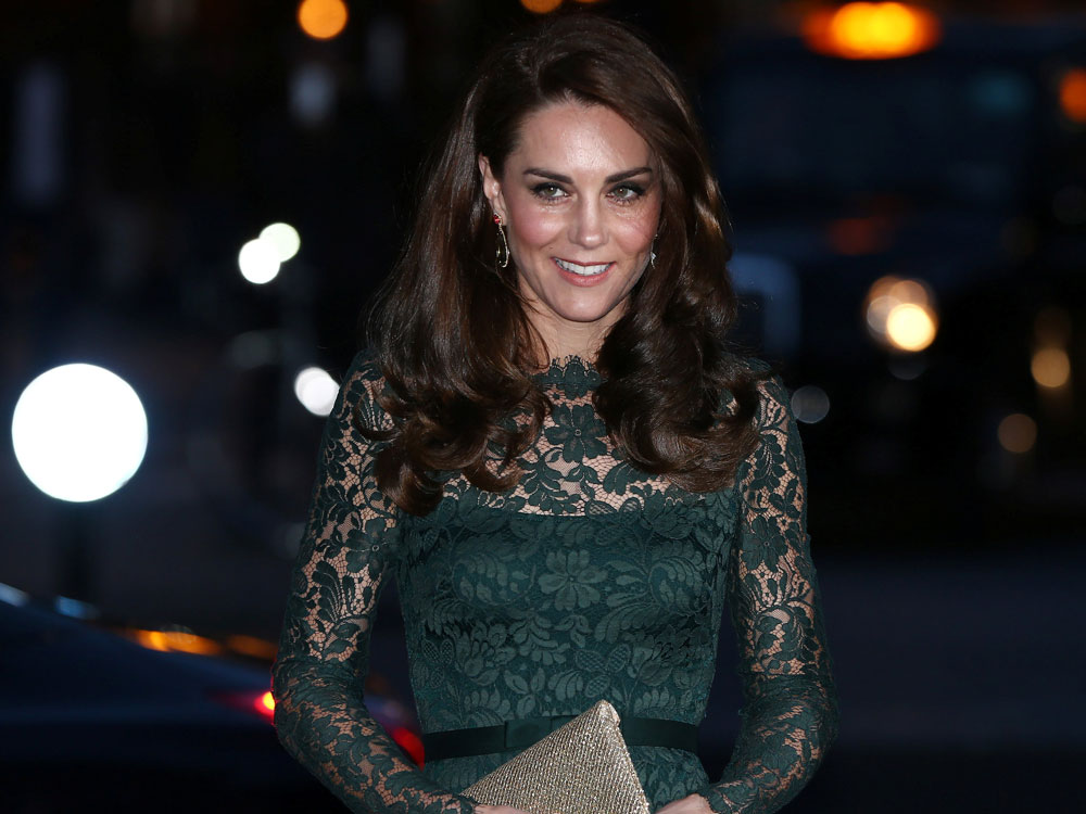 Kate Middleton elige Temperley London (otra vez) para asistir a la gala de la National Portrait Gallery en Londres